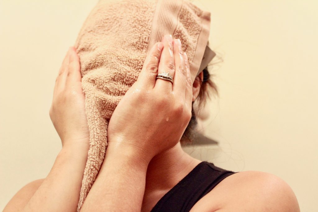 Facial Detox - Oil Cleanse - www.spousesproutsme.com