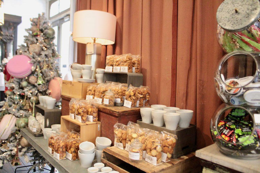 Travel Guide: Savannah, GA - The Paris Market and Brocante - www.spousesproutsme.com