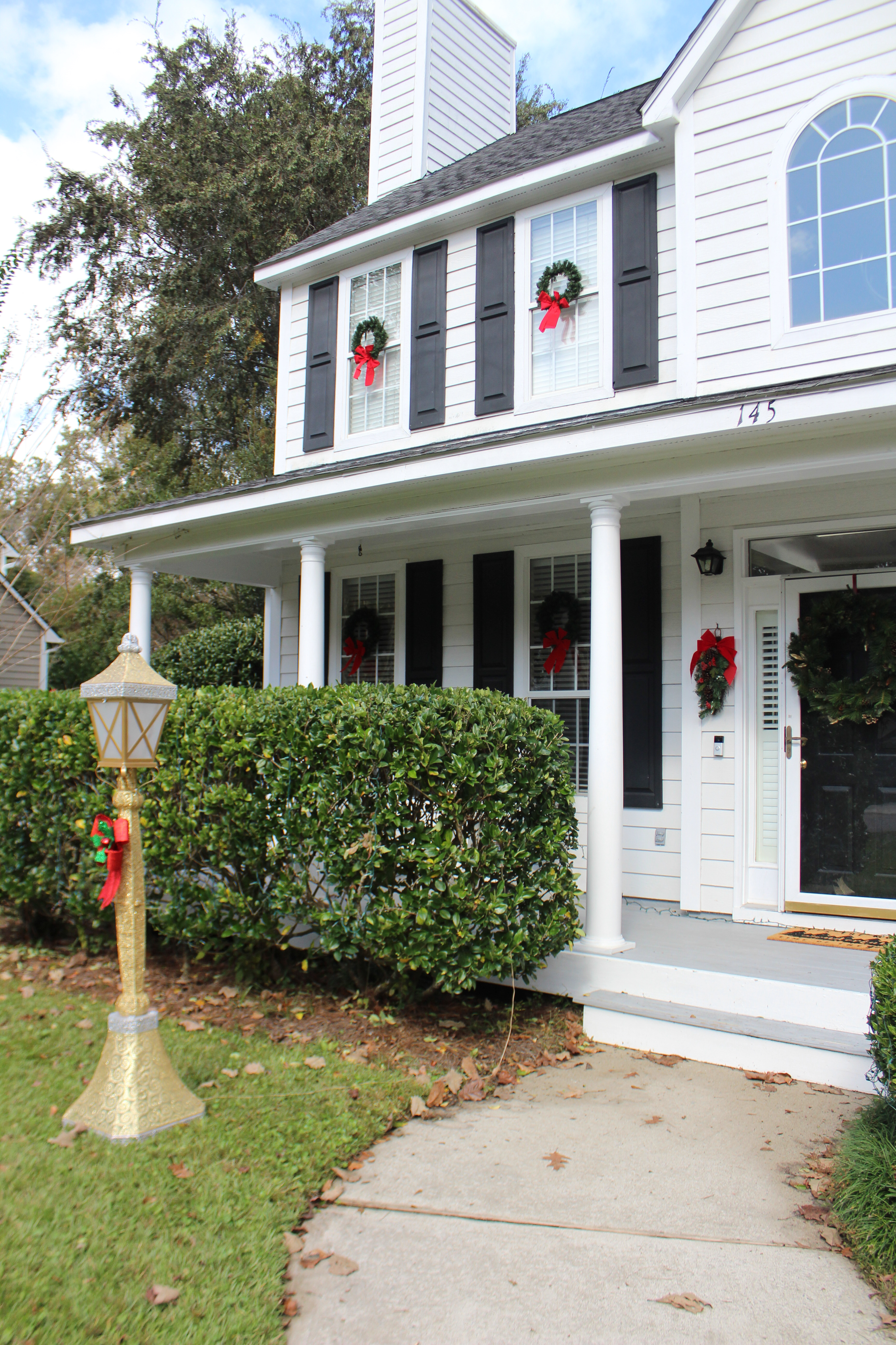 Quick and Affordable Outdoor Christmas Decor