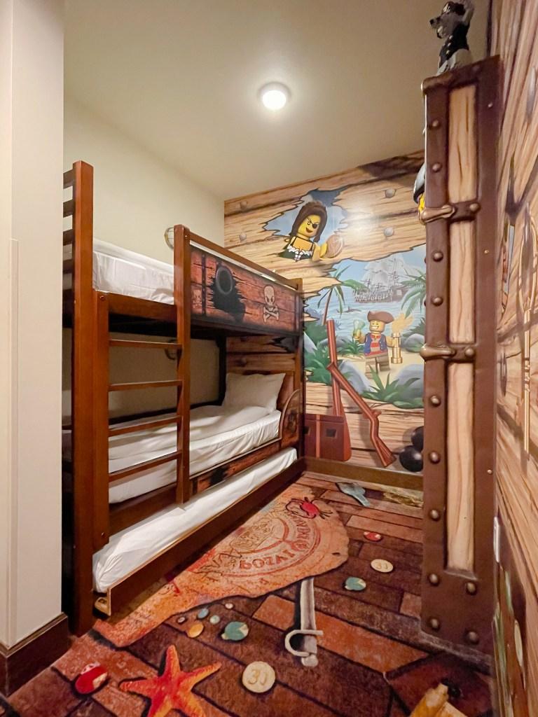 LEGOLAND Hotel - www.spousxesproutsme.com